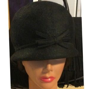 Vintage Accessories - Vintage beaver fur cloche hat
